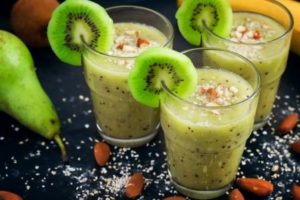 smoothie kivi banan orechy