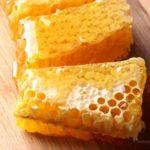 tekutý řídký med a plasty