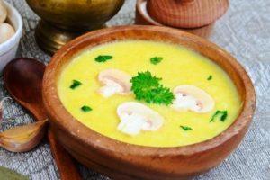 Recept - krémová cuketová polievka so šampiňónmi