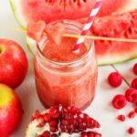 jablkove-smoothie-s-melonom-malinami-a-granatovym-jablkom