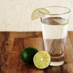 voda v pohári