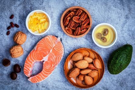 Výber potravinových zdrojů omega 3 a nenasýcených tuků. Super potraviny s vysokým obsahem omega 3 a nenasýcené tuky pro zdravé jídlo