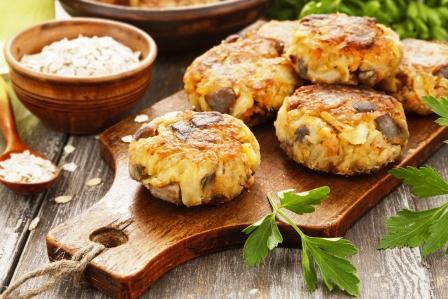Zeleninové kotlety s houbami a ovesnými vločkami