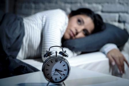 s nespavostou pomaha