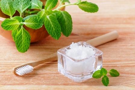 alternativni prirodni zubni pasta